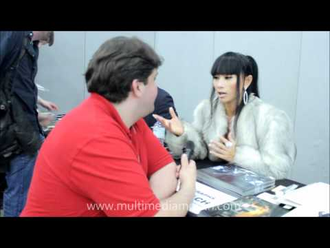 Robert interviews Bai Ling at London Film and Comic Con 2012