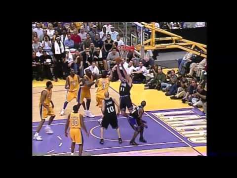 The Sacramento Kings 2002 Dazzling Offense