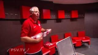 Rondleiding door de nieuwe kleedkamer van PSV
