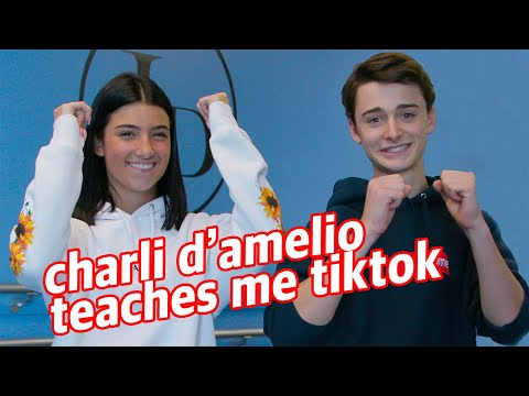 Charli DAmelio Teaches Me TikTok Dances! | Noah Schnapp