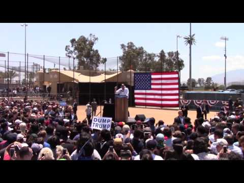 Bernie speaks to largest crowd ever seen in Cathedral City (part 1)
