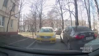 Яндекс такси !встреча с таксистом  ! Во дворе !(Это видео создано с помощью видеоредактора YouTube (http://www.youtube.com/editor), 2015-03-18T19:48:01.000Z)