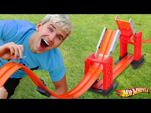 EPIC HOT WHEELS BACKYARD RACE TRACK!!
