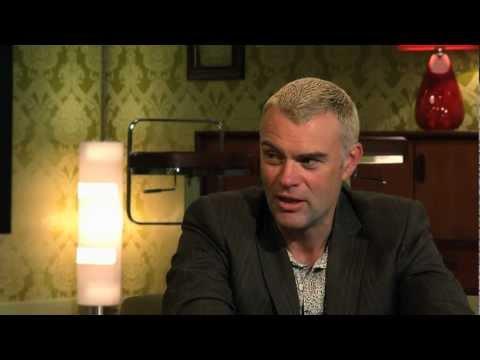 Hwb — Cyfweliad Julian Lewis Jones Interview (7/10/12)