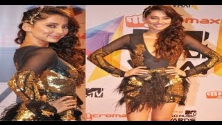 Romantic Babe Anusha Dandekar at Micromax MTV Video Music Awards India 2013