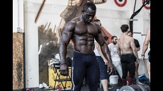 Babacar Niang in training - Natural Bodybuilding