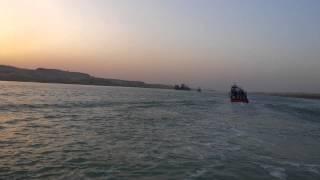 فيديو حصرى : أمواج القناة قناة السويس الجديدة وقت غروب الشمس