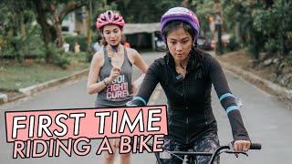 Riding_a_Bike_by_Alex_Gonzaga