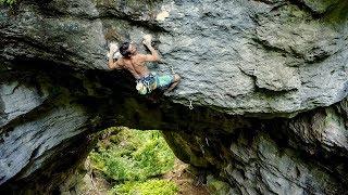Moritz Welt klettert »Heiliger Gral« 9a