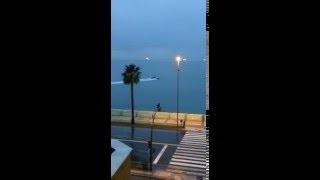 Narcos descargando en Paseo Marítimo de La Línea a plena luz del día