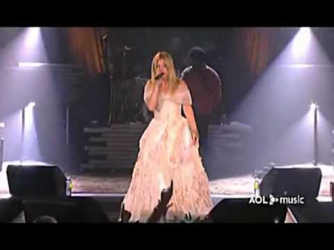 Kelly Clarkson - Behind These Hazel Eyes (AOL Music Live)