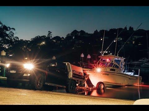 YFT Fishing With Rod Findlay Aboard His Grady-White 228 Seafarer