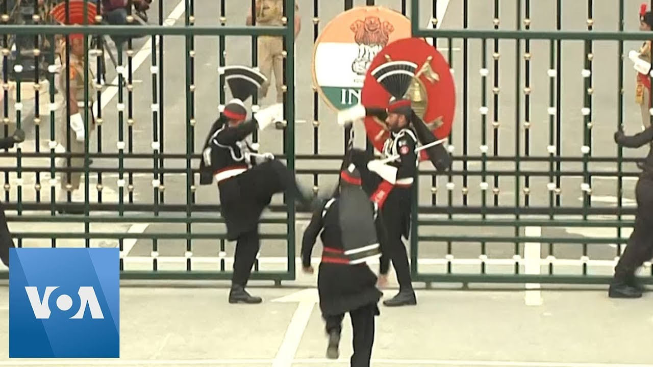 Closing Ceremony at Pakistan-India Border on Independence Day Amid Kashmir Tensions