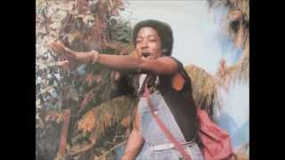 Download lagu Roger Bekono - jolie poupée (Inter diffusion system 1989) MP3