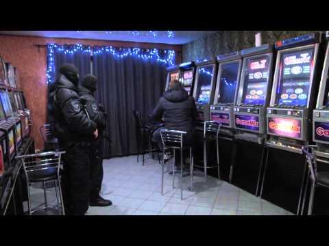 Незаконные азартные игры в казанском кафе  27.01.2015