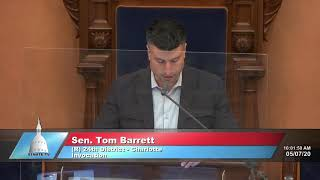 Sen. Barrett gives the invocation before Michigan Senate session
