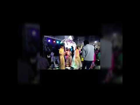 Delhi's girls dance in party