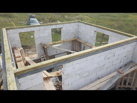 Мауэрлат из досок 150х50 на стене из газобетона