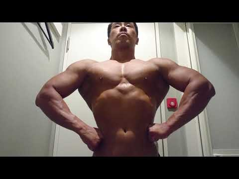 【Gay Porn Actor】I've Been Working Out My Arms