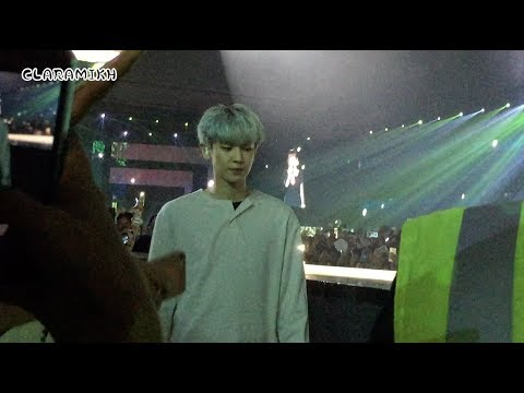 """CHANYEOL """"Stay With Me"""" UP CLOSE!! - Music Bank in Jakarta 170902"""