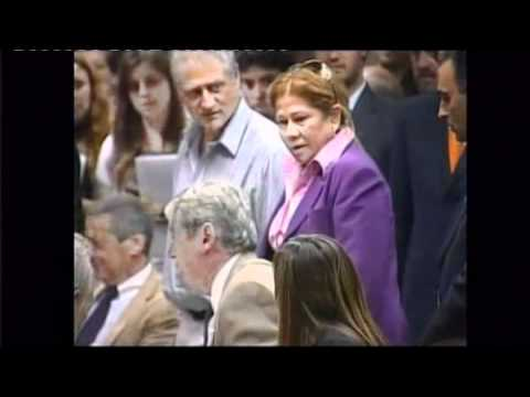 Woman slaps man over budget in Argentina