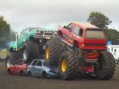 Bigfoot Monster Trucks Show Youtube