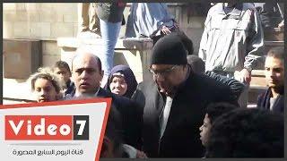محمود سعد وبوسى وبيومى فؤاد فى جنازة كريمة مختار