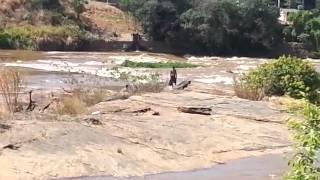 Lama tóxica do Rio Doce em Governador Valadares