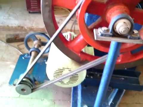 J hook roll thread machine   mfd by metalmasterengg@mail.com