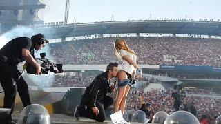 Скандално яки целувки между звезди и фенове