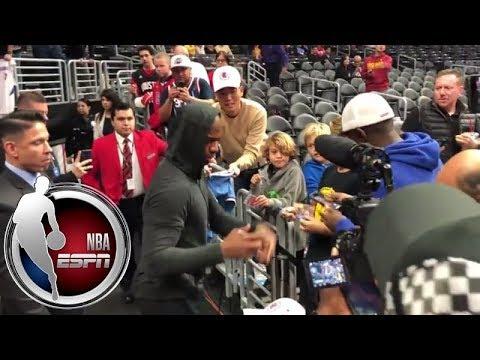 Chris Paul signs autographs at Staples Center | NBA on ESPN