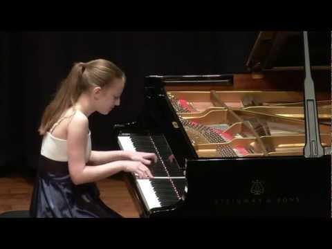 "F. Chopin "" Grande valse brillante "" Op. 18"