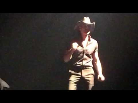 Tim McGraw- Angry All The Time live in Spokane