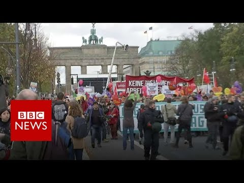 Thousands march in Berlin against far-right party - BBC News