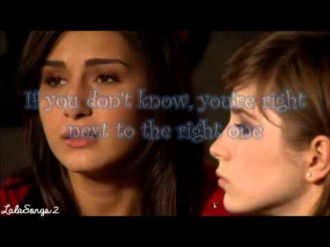 Alina & Criss - Right Next to the Right One lyrics