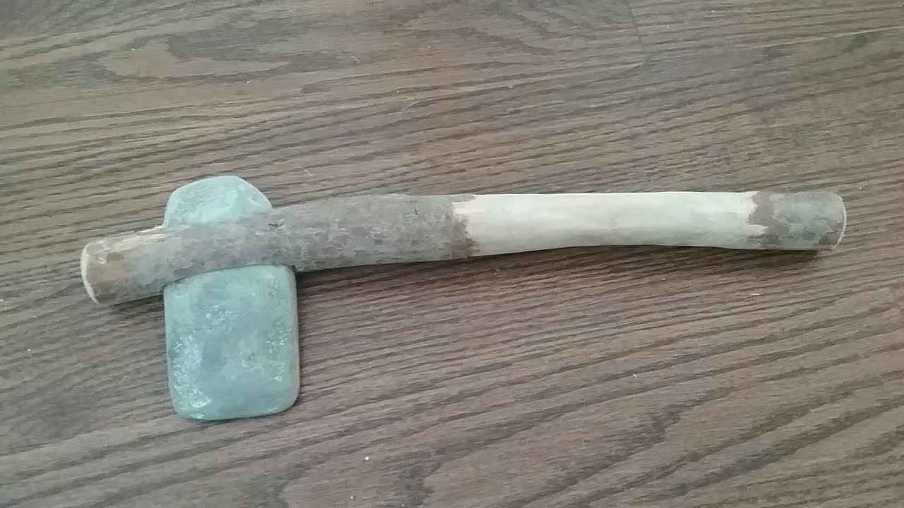 How to Make a Stone Axe foto