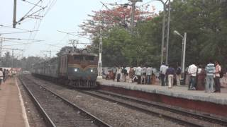 DIAMOND EYED VIZAG WAM 4 ARRIVES WITH PURI - ANGUL FAST PASSENGER