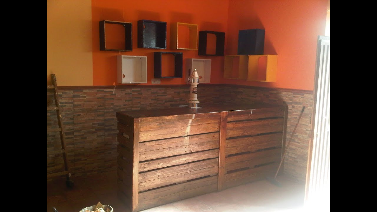 Mueble bar hecho con pales youtube for Mueble bar exterior