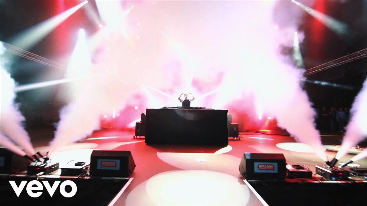 felix-jaehn-bonfire-chris-lake-remix-live-video-ft-alma-felixjaehnvevo