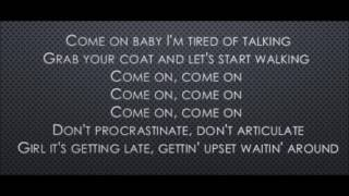 A Little Less Conversation - Elvis Presley (Lyrics)