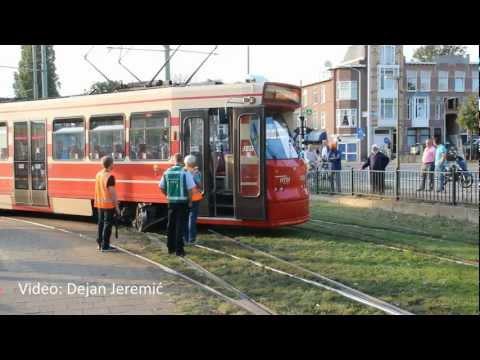 23-08-2012: Tram verspoort tijdens achteruitrijden - Delftselaan, Den Haag