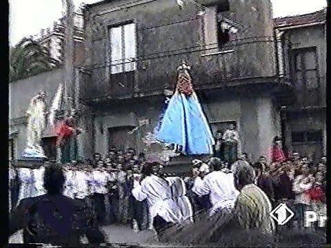 statua della Madonna cade e perde la testa (AFFRUNTATA)