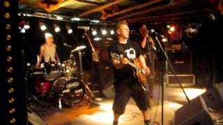 King Punish and the Trashcans / Wilwarin 2011