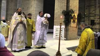 Рождественская служба в Свято-Тихоновском храме(Видео сайта http://svtihon.ru/, 2015-01-10T12:31:02.000Z)