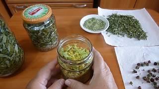 видео Как сушить грибы, зелень и овощи в микроволновке