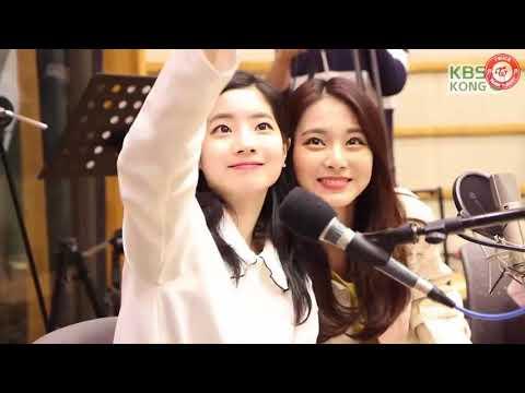 [Türkçe Altyazılı] TWICE - Hongki's Kiss The Radio Show (Kamera Arkası)