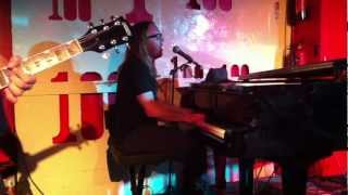 Watch Tim Minchin Beauty video