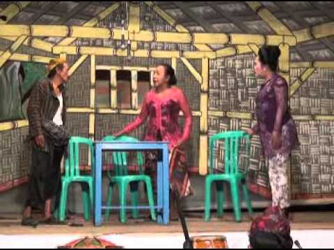 Slapstick buffoonery IN ART ludruk East Javanese