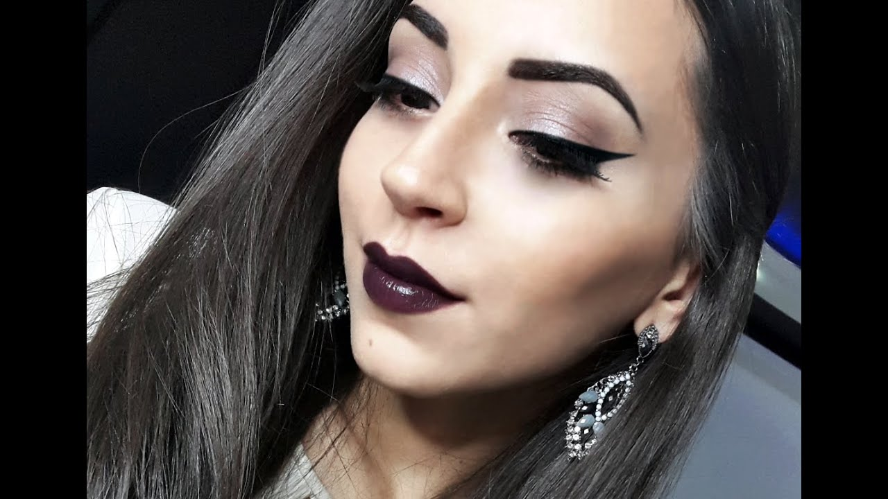 Dramatic eyeliner & Dark purple lips | Vampy makeup TUTORIAL ...