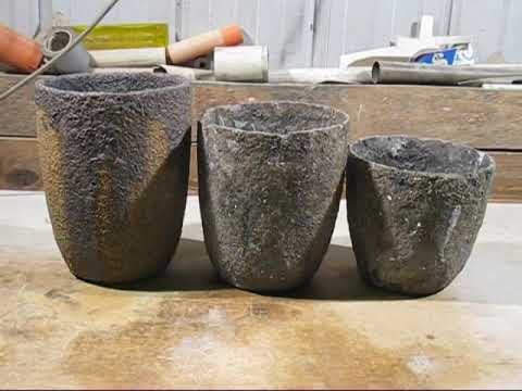 Crucibles for cast iron melting